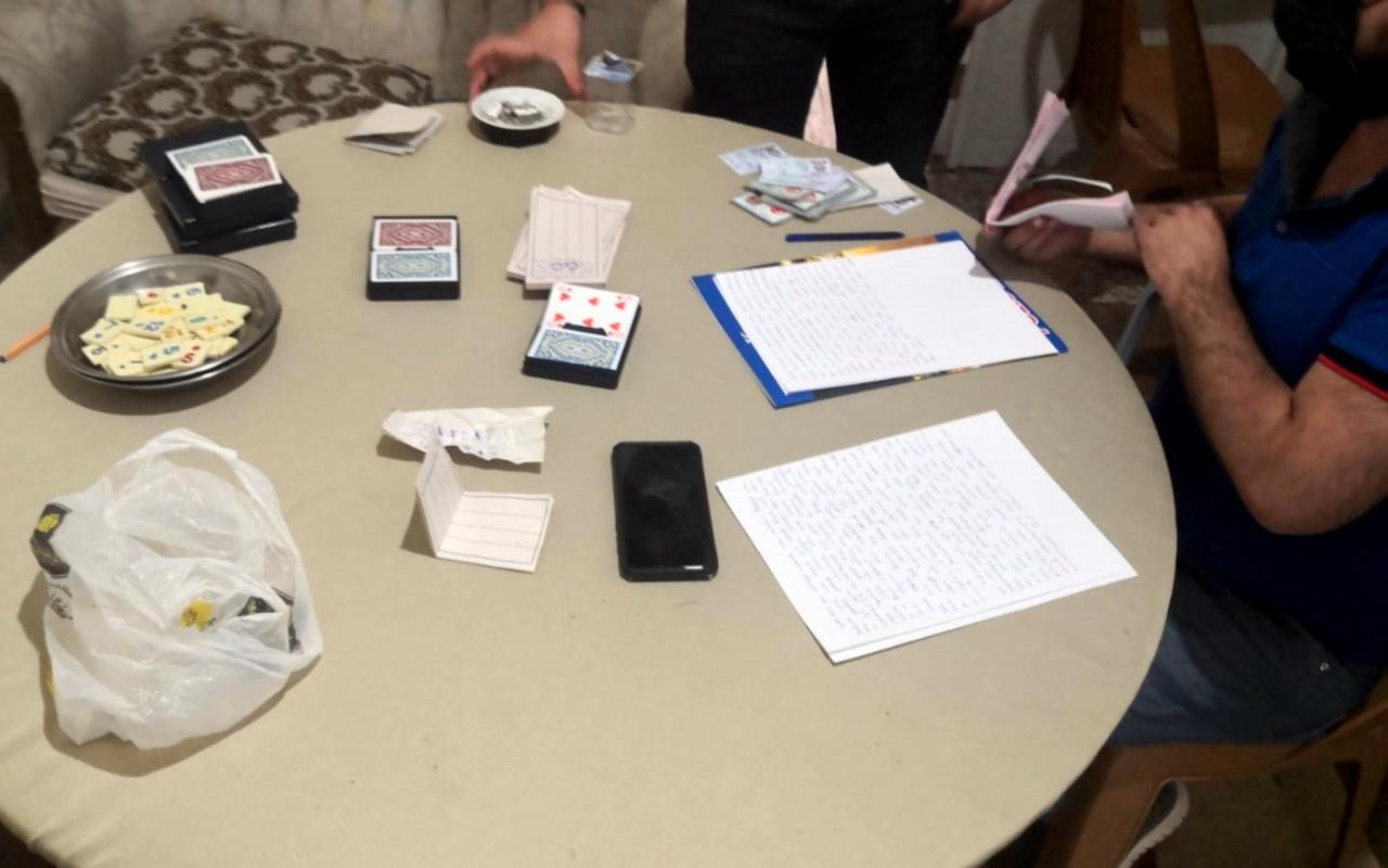 Muğla'da kısıtlamada kumar oynayan 16 kişiye 77 bin TL ceza