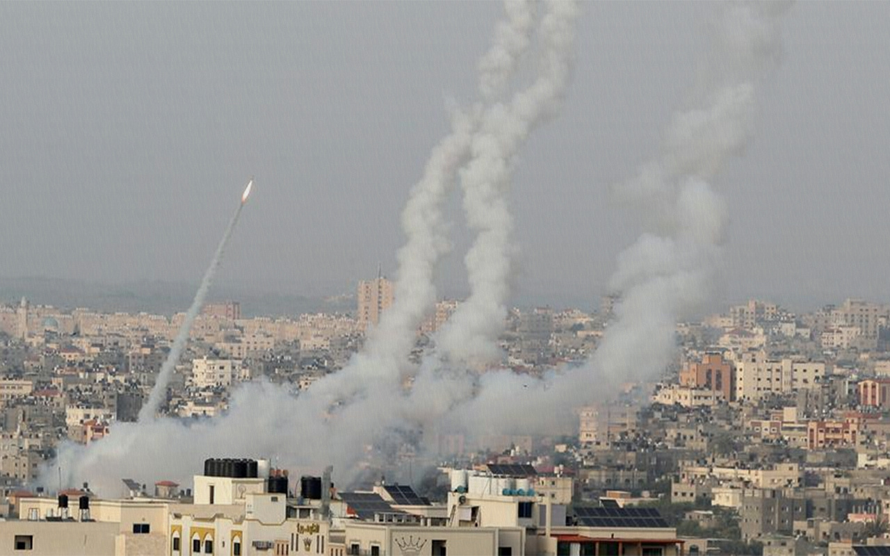 İsrail'in Gazze'ye düzenlediği hava saldırısında 9'u çocuk 20 kişi öldü