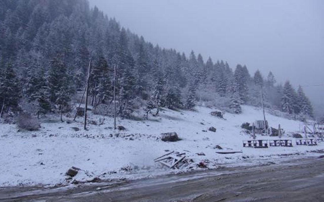 Mayıs ayında kar sürprizi! Rize yaylaları bembeyaz oldu