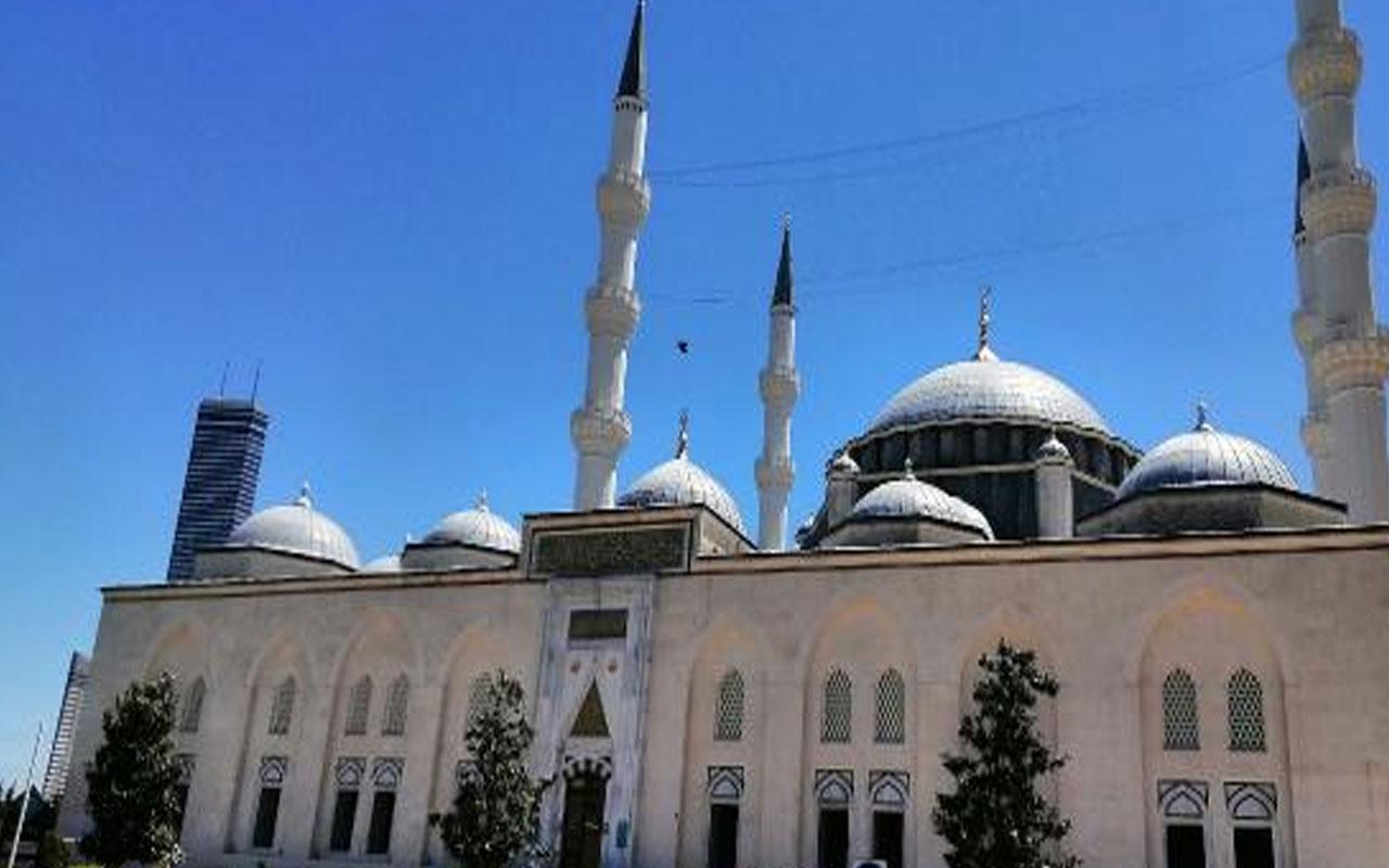 İstanbul'da camilerden Mescid-i Aksa için dualar edildi
