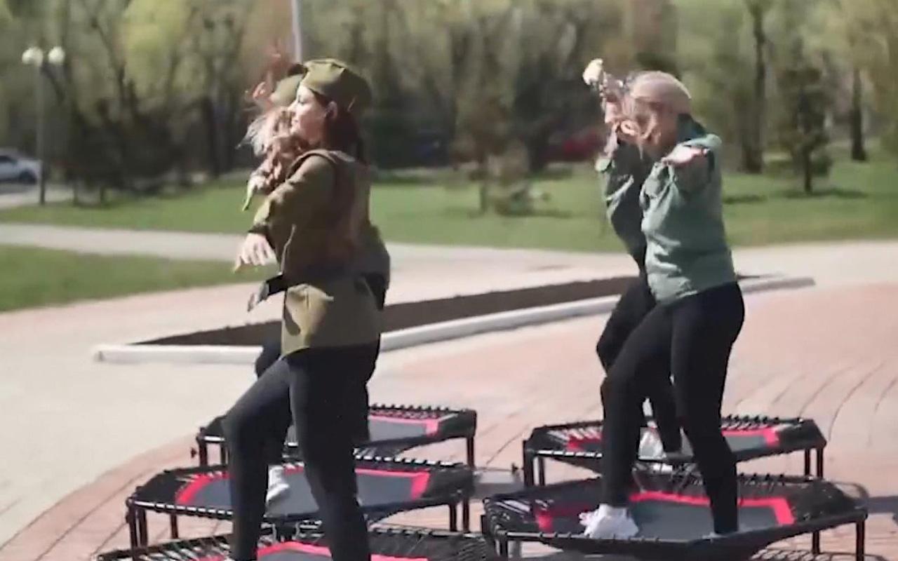 Mezardaki dans videosu Rusya'yı karıştırdı: Kemikleri üzerinde dans olmaz