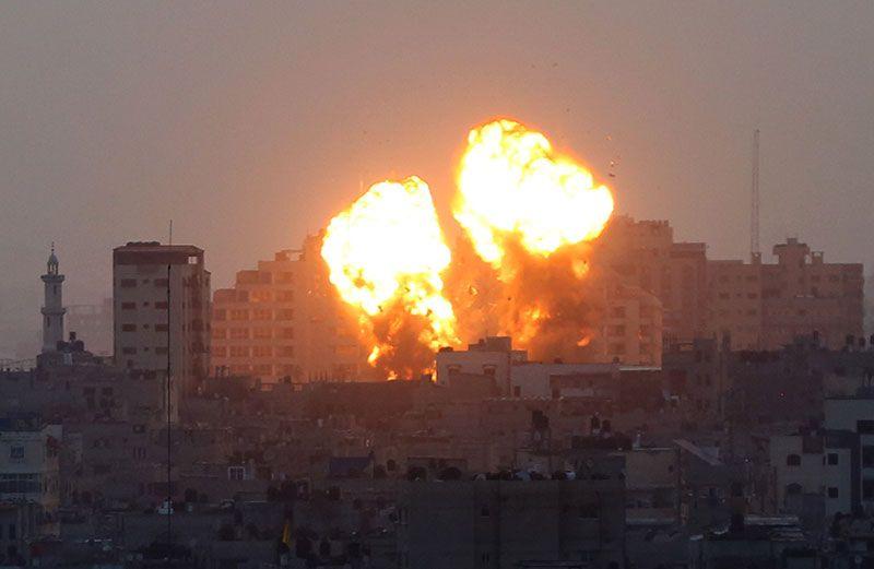 İsrail'den çocuk katliamı! Gazze havadan vuruldu çoğu çocuk 21 kişi öldü Mescid-i Aksa'da yangın
