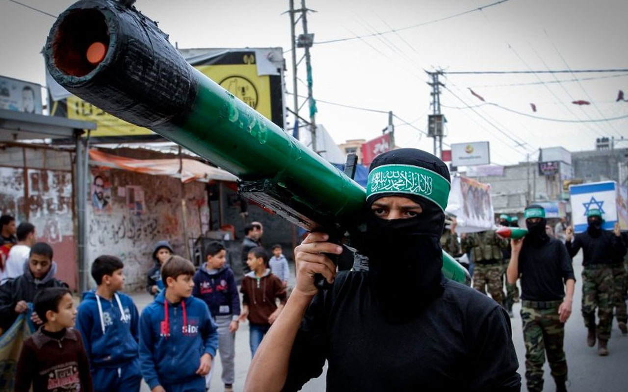 Kassam Tugayları: İsrail'e 5 dakikada 137 roket gönderdik