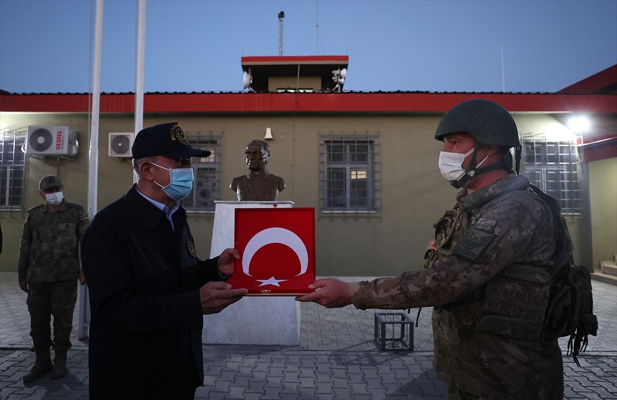 Hulusi Akar açıkladı:  1 Ocak'tan bugüne kadar 1056 terörist etkisiz hale getirildi