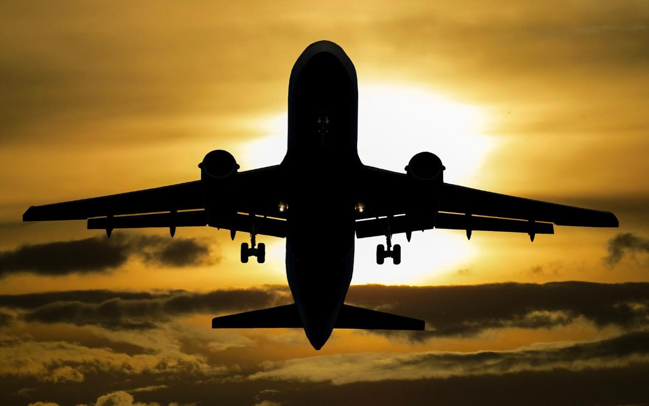 Seyahat yasaklı Avustralyalılara hiçbir yere gitmeyen uçuş imkanı