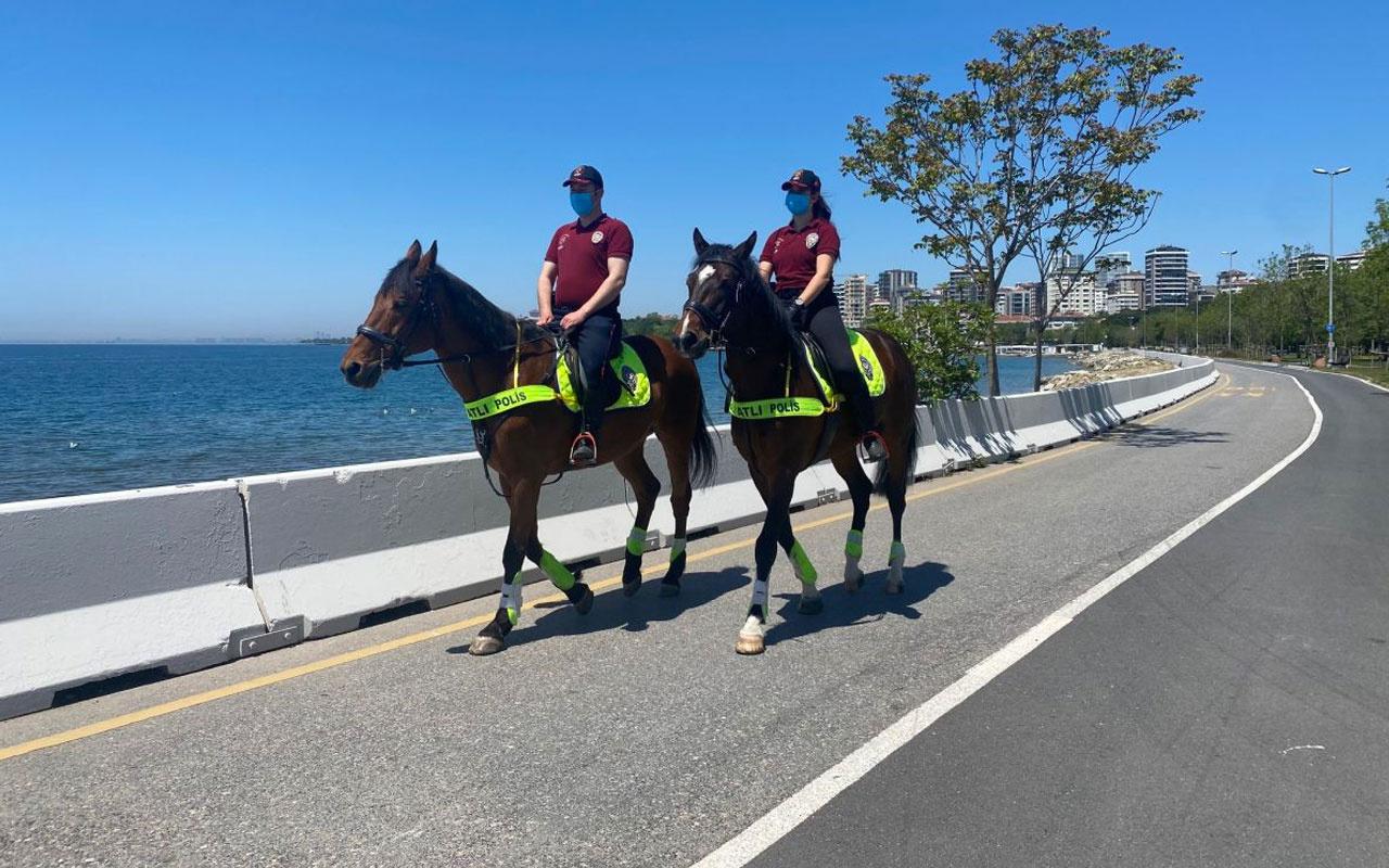 İstanbul'da atlı polislerden bayram denetimi