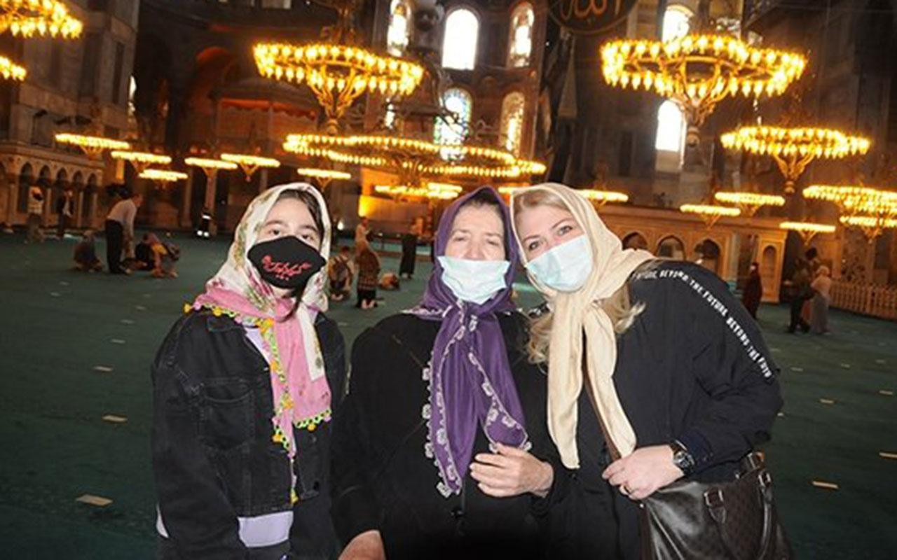 Ayasofya'dan etkilenen Ukraynalı Yevheniya şahadet getirip Müslüman oldu