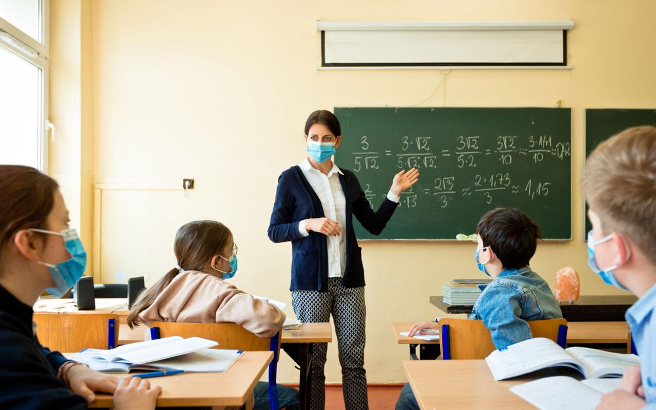 MEB: 499 bin öğretmen ve okul personeli için Covid-19 aşısı olma imkanı sağlandı