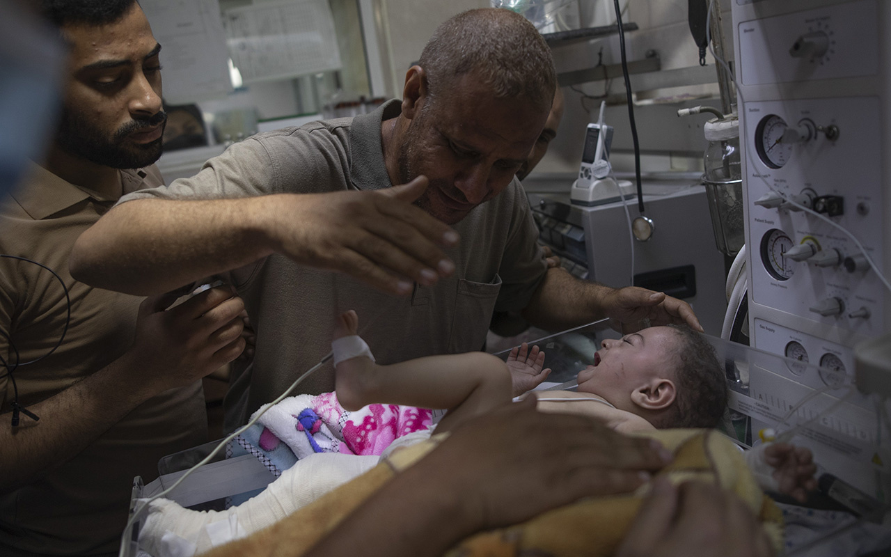 İsrail'in Gazze'ye saldırısında 4 çocuğu ve eşini kaybeden baba: Çocukların günahı neydi?