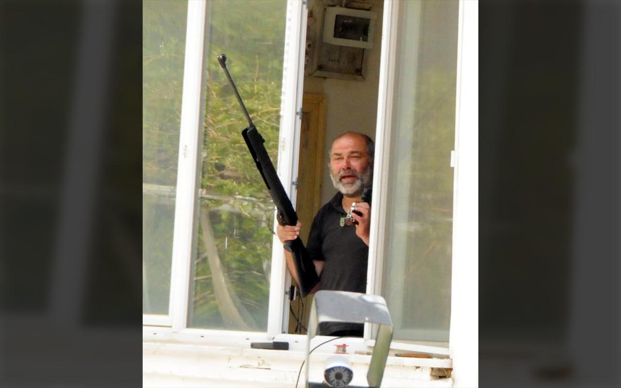 Kayseri'de evinin penceresinden etrafa ateş eden kişi özel harekat polislerince gözaltına alındı