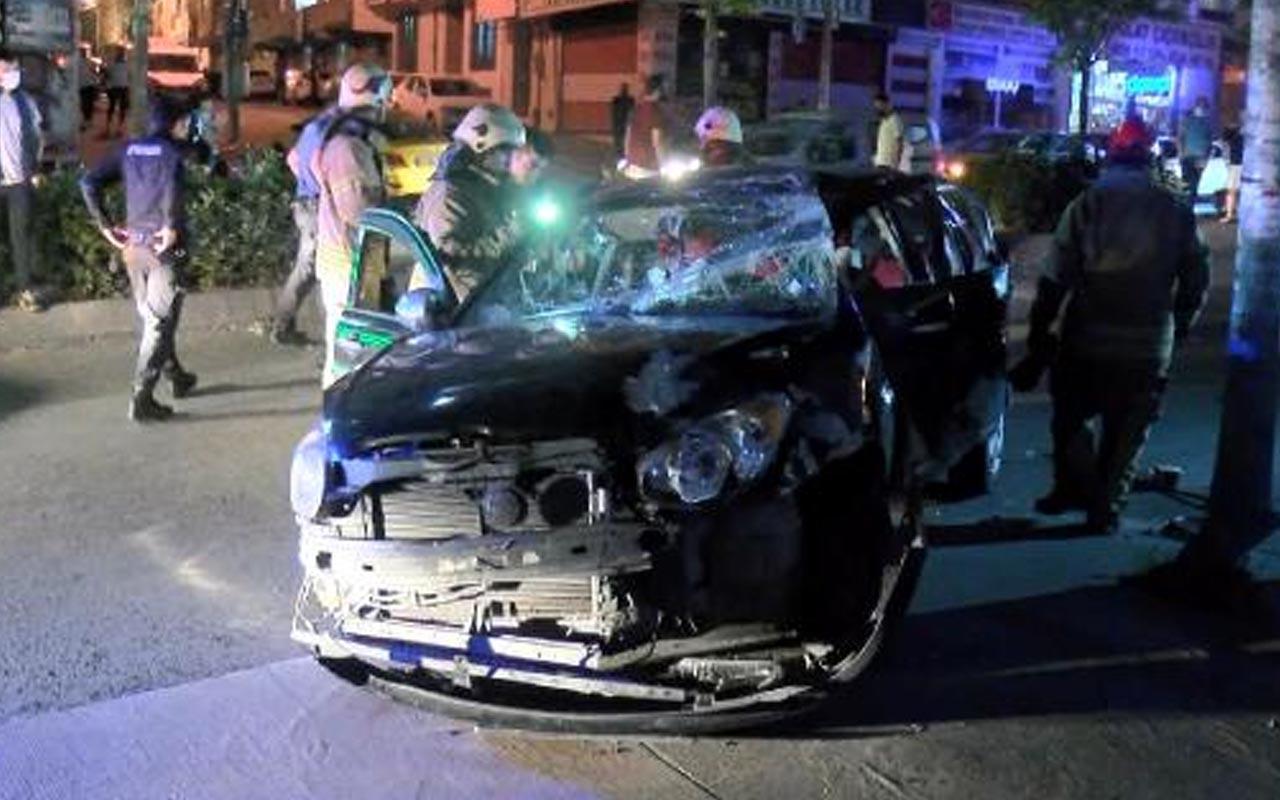 Şampiyonluk kutlaması sırasında kaza yapan araç yayaya çarptı: 2'si ağır 4 yaralı