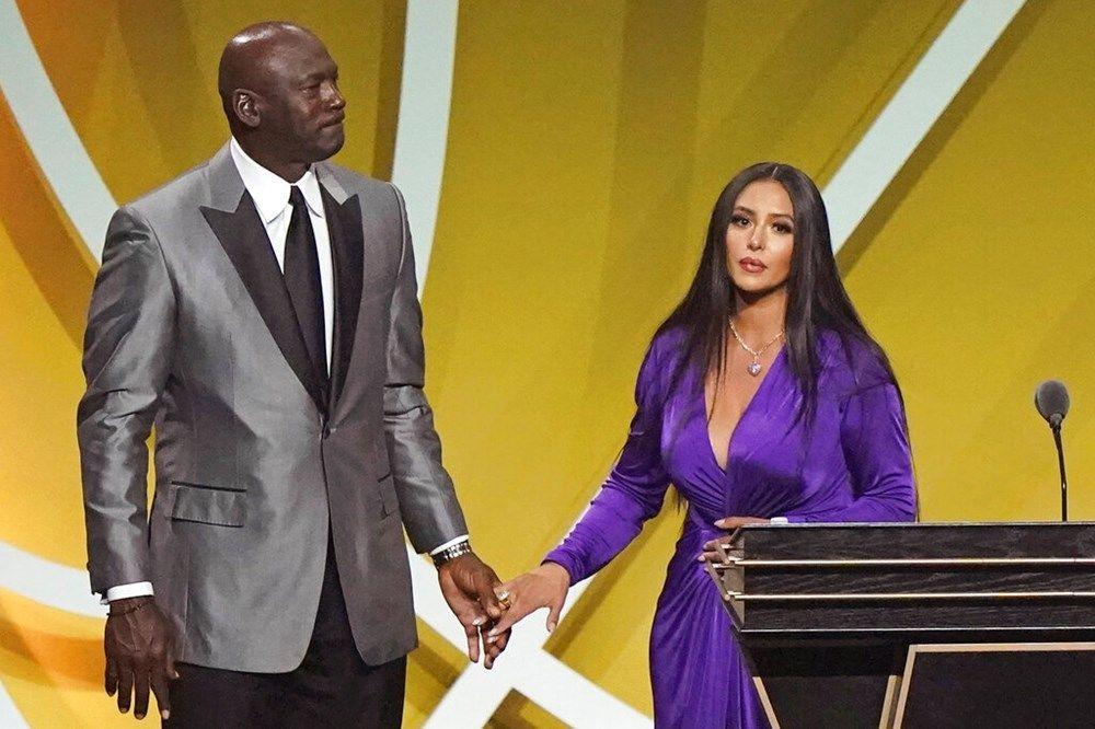 Vanessa Bryant gözyaşlarını tutamadı! Kobe Bryant sözleriyle herkesi ağlattı