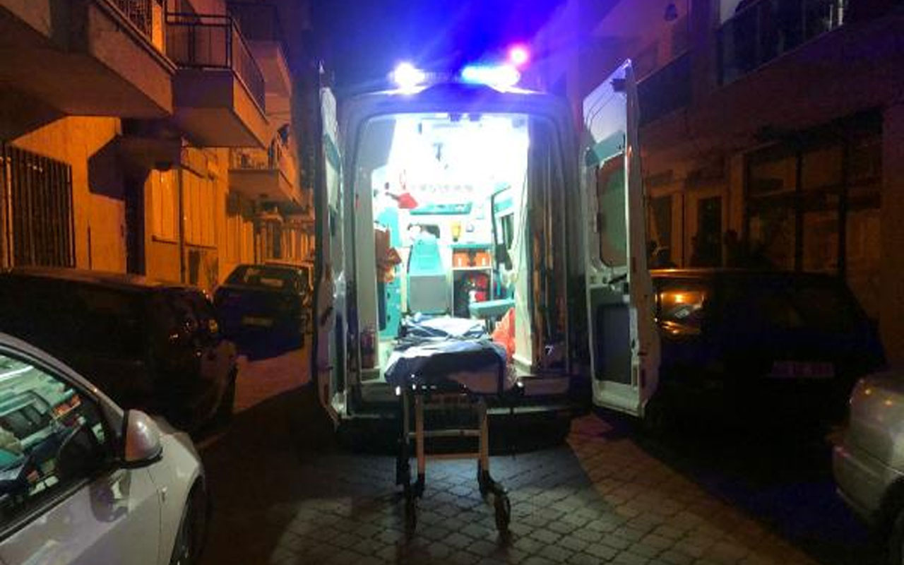 Manisa'da eşiyle tartıştıktan sonra kendisini bıçaklayan adam kurtarılamadı