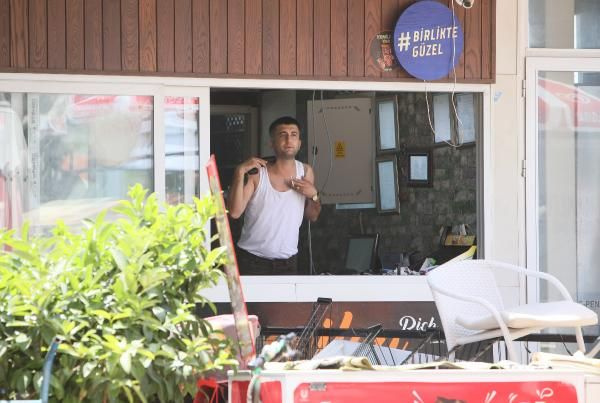 Antalya'da korku dolu saatler! Tahliye etmemek için silahlı eyleme başladı