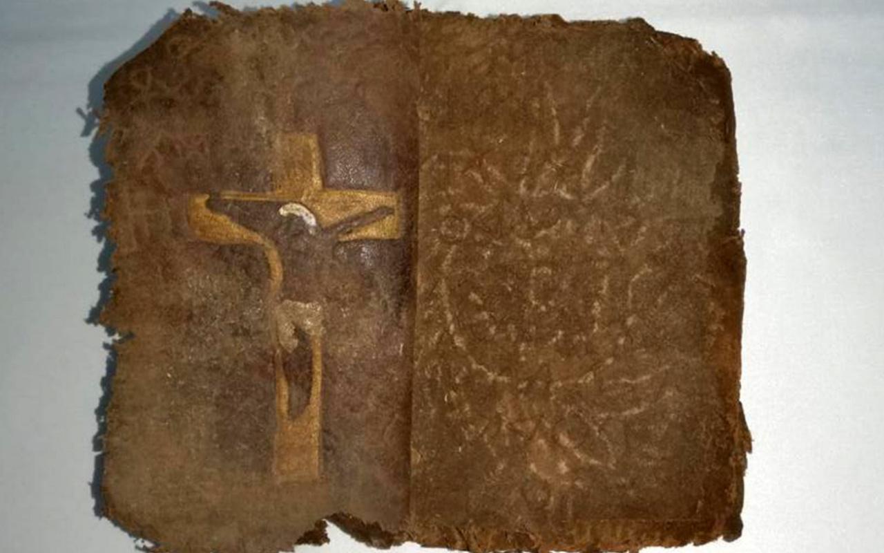 Değeri tam 13 milyon dolar, üzerinde Hz. İsa'nın çarmıha gerilmiş ikonografik resimleri bulunuyor