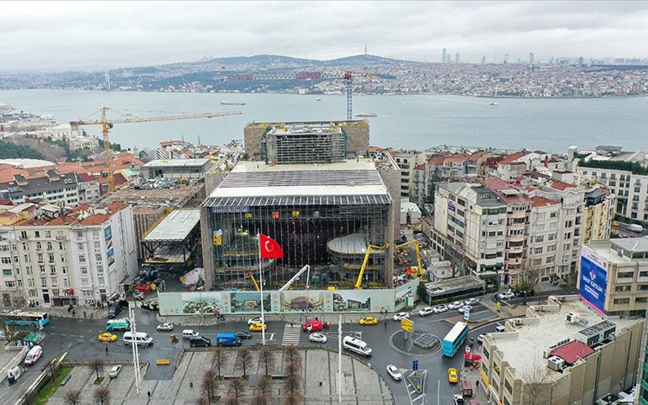 Taksim'deki Atatürk Kültür Merkezi inşaatında yangın paniği!