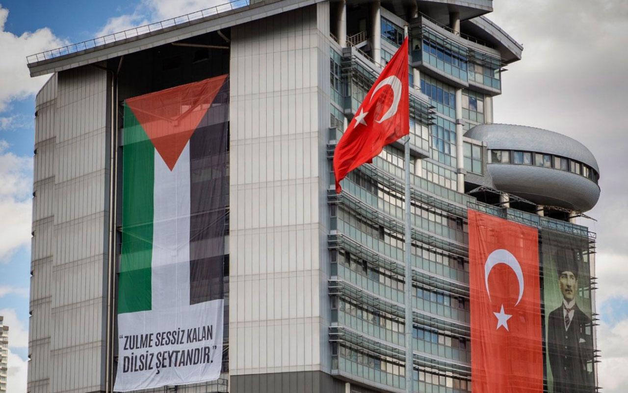 CHP Genel Merkezi'nde dev Filistin bayrağı Hz Muhammed'in sözü de yer aldı