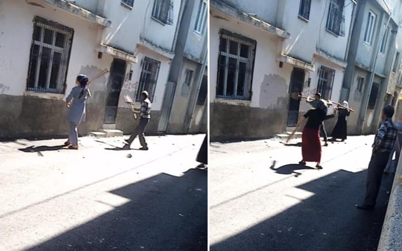 Adana'da kayıp babalarını öldürdüğünü düşündükleri ailenin evini böyle bastılar