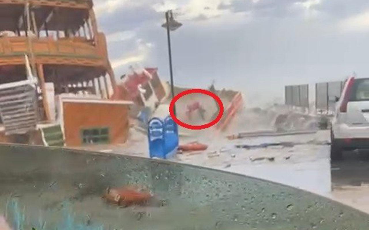 İzmir ve Balıkesir'i fırtına vurdu! Onlarca tekne battı bir kişi batan teknedendenizeböyledüştü