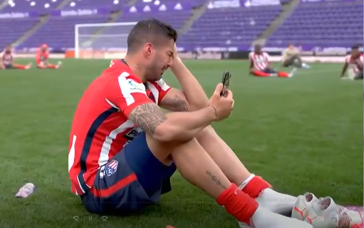 Luis Suarez'den şampiyonluk gözyaşları