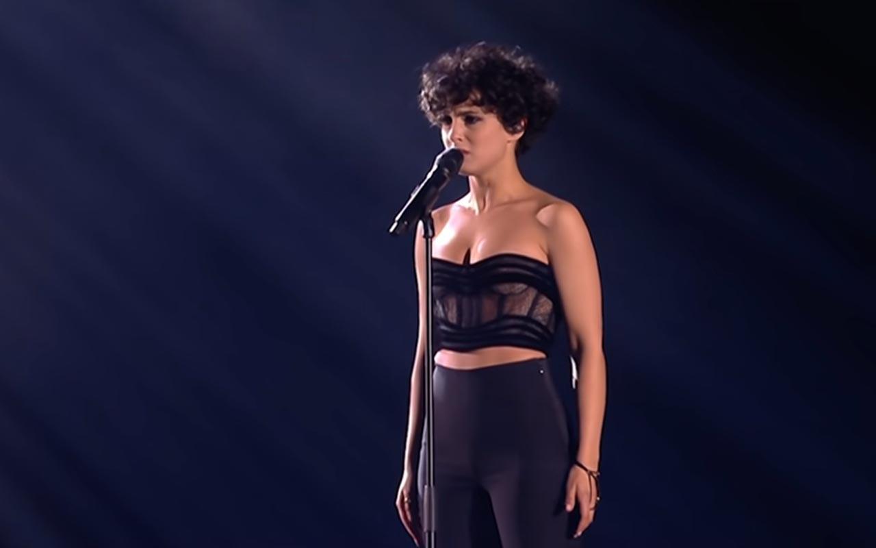Fransa'nın Eurovision 2021 şarkısı 'Voila'! İşte Barbara Pravi'nin performansı