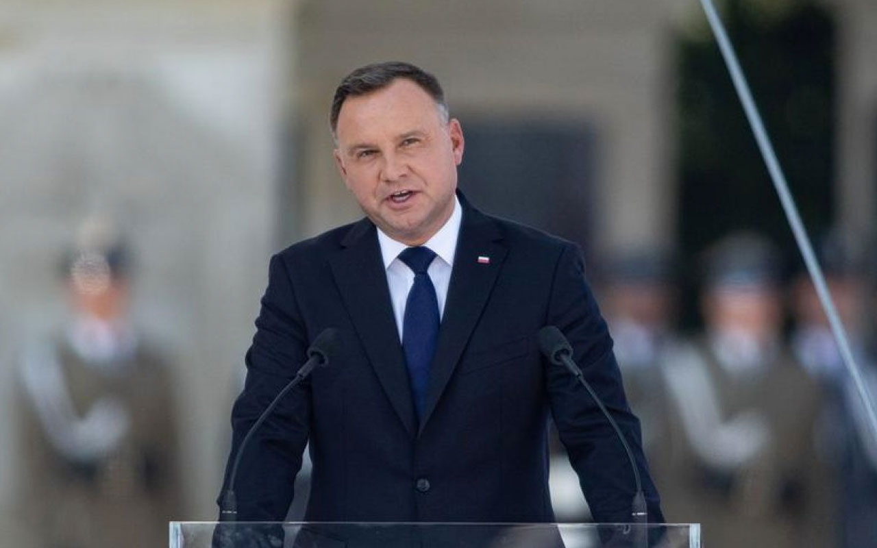 Polonya Cumhurbaşkanı Andrzej Duda, Türkiye'ye gelecek İletişim Başkanlığı duyurdu