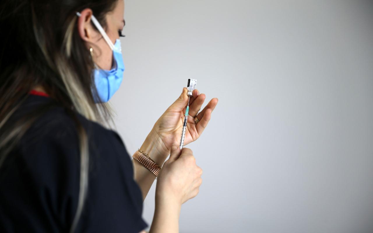 Türkiye'de koronavirüs aşılamasında en yüksek günlük doza ulaşıldı