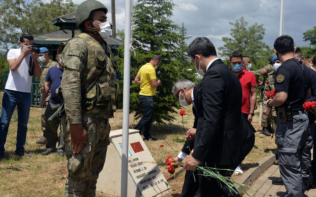 Bingöl'de PKK'lı teröristlerce şehit edilen sivil ve silahsız 33 asker anıldı