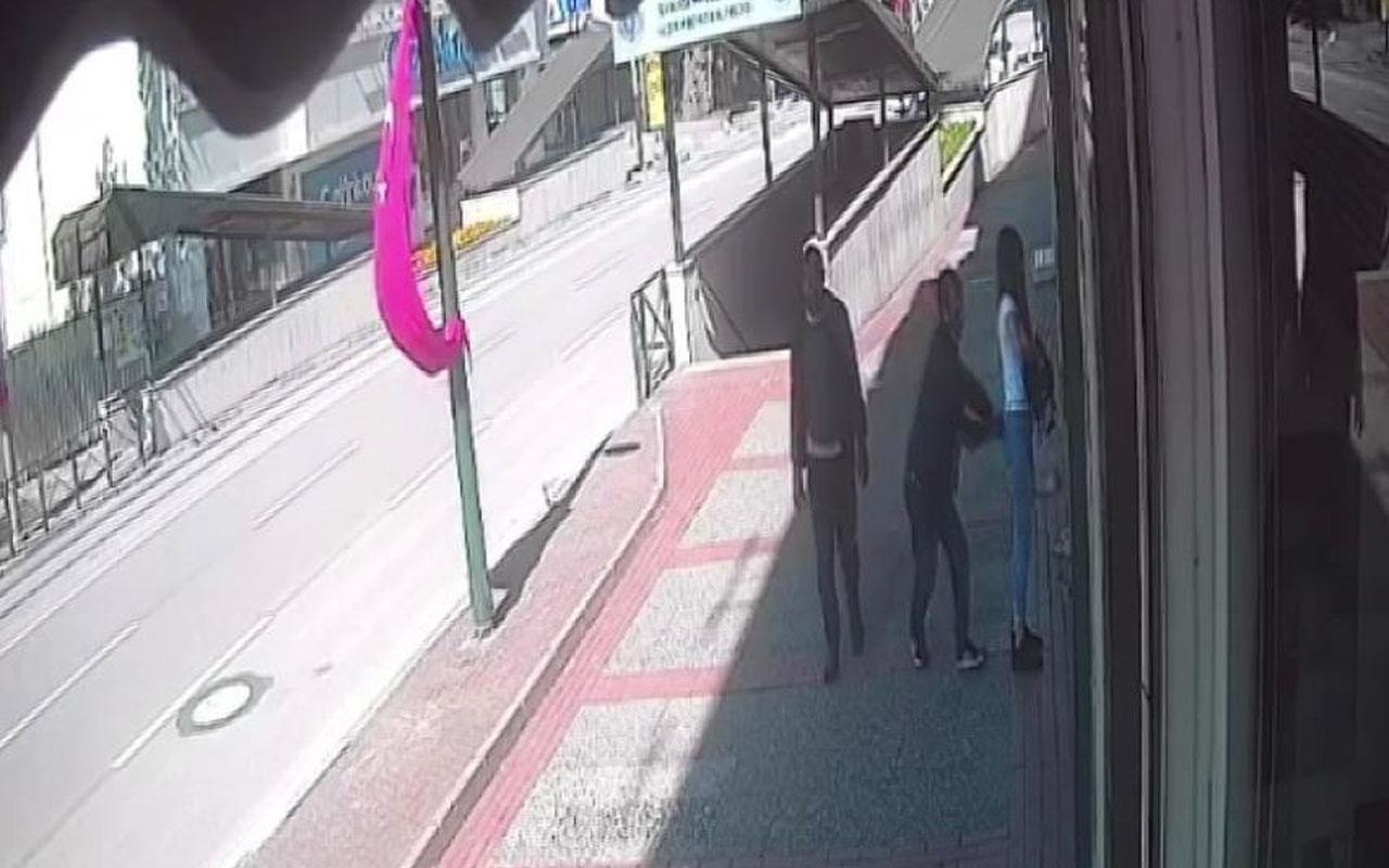 Bursa'da genç kız iş yerinin kapısını açarken neye uğradığını şaşırdı o anlar kamerada