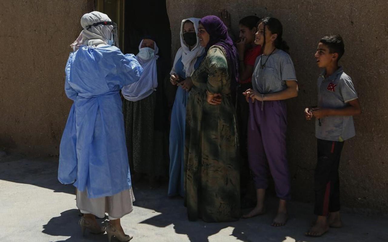 Türkiye'deki koronavirüs aşısı ikna ekiplerinin başarısı uluslararası basında