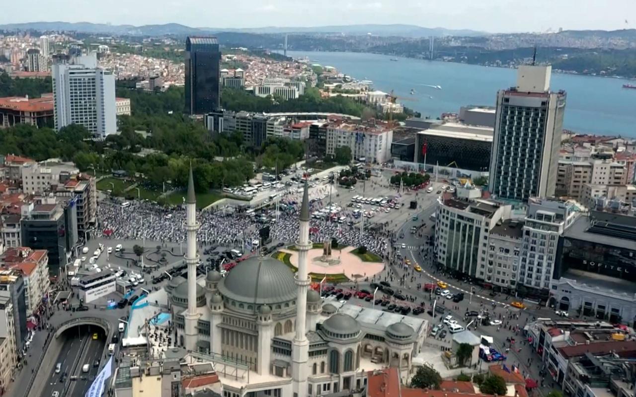 İstanbul Taksim Camii açıldı işte 4 bin kişilik Taksim cami içinden görüntüler