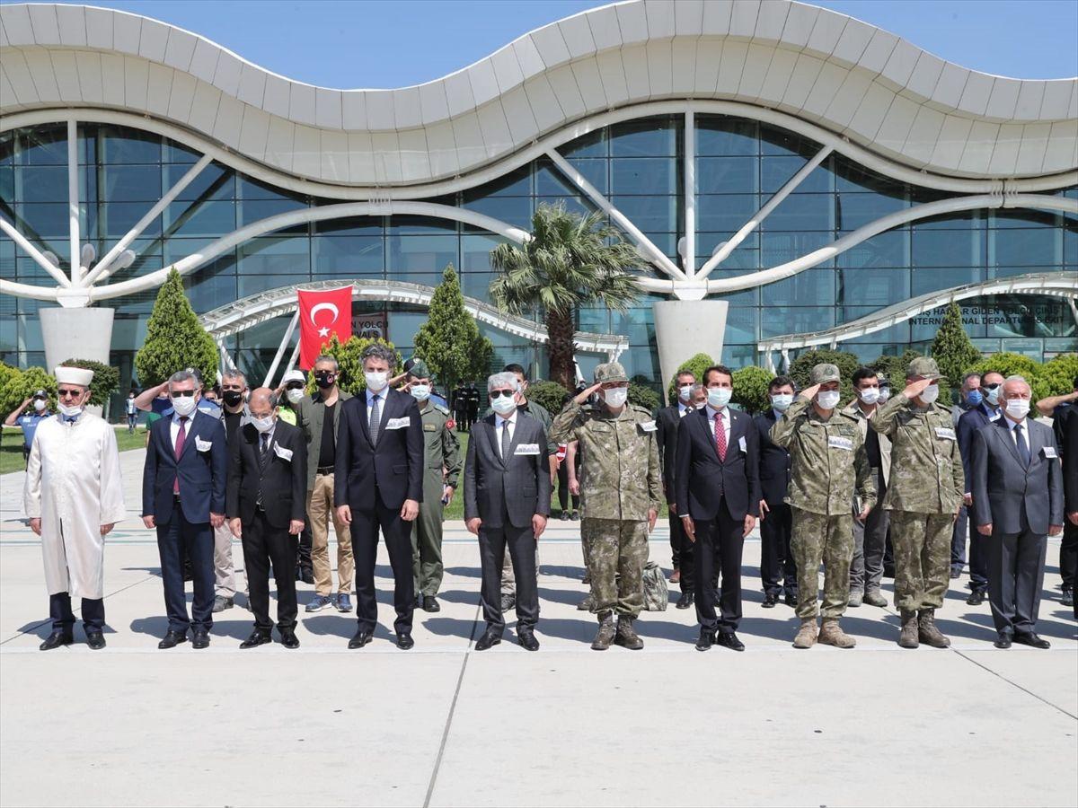 Hatay'da 3 şehit askerin cenazesi törenle memleketlerine uğurlandı