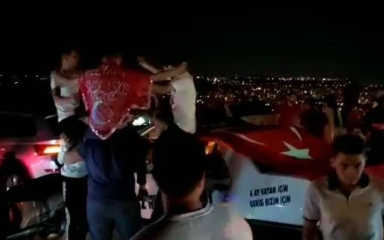 Antalya'da pes dedirten görüntü! Salgın unutuldu yasaklar hiçe sayıldı!
