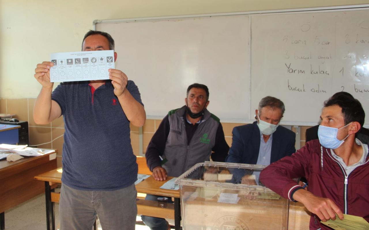 Seçim yapılan Afyonkarahisar'ın Güney beldesinde kazanan AK Parti oldu