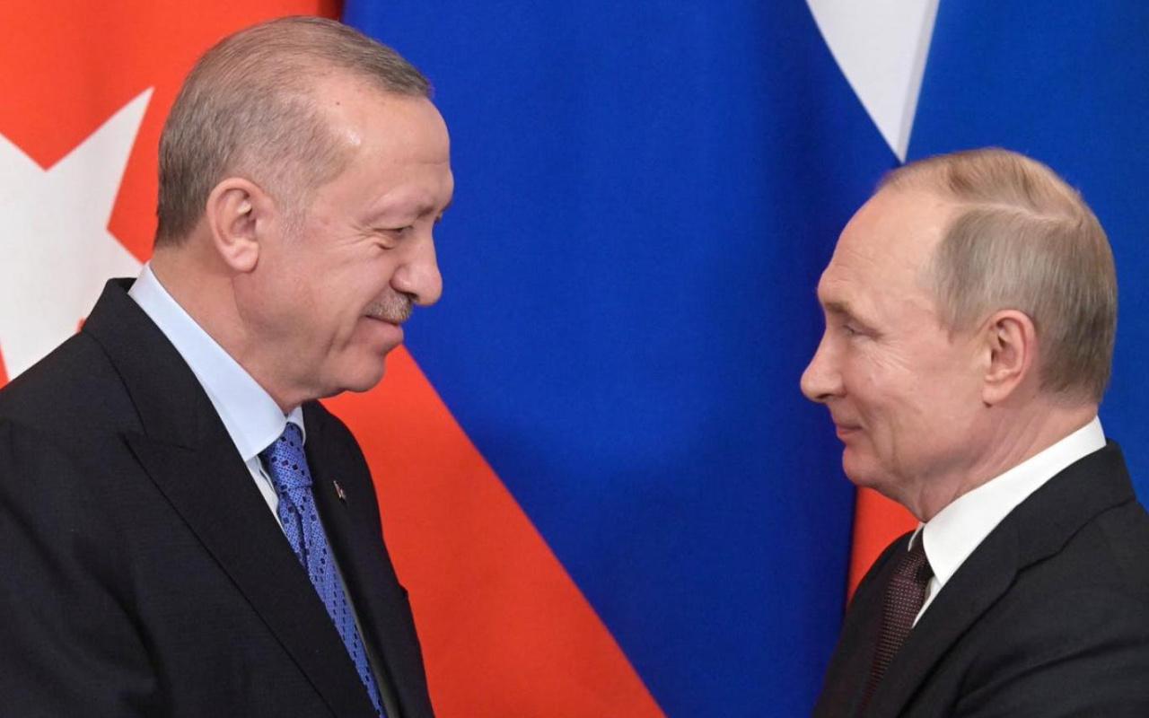 Ankette Türk halkı ABD yerine Rusya ile ticareti seçti