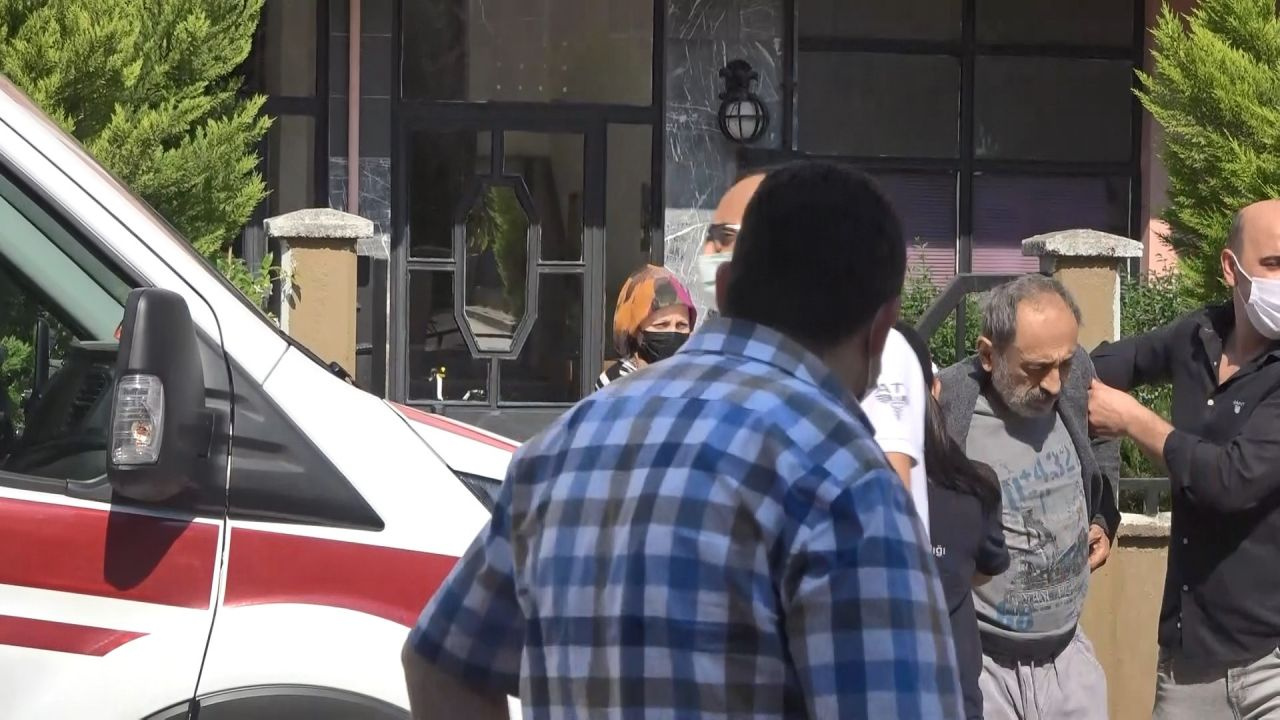 Kocaeli'de ünlü oyuncu Ahmet Yaşar Özveri'nin evine girenler şok oldu! 2 gündür...