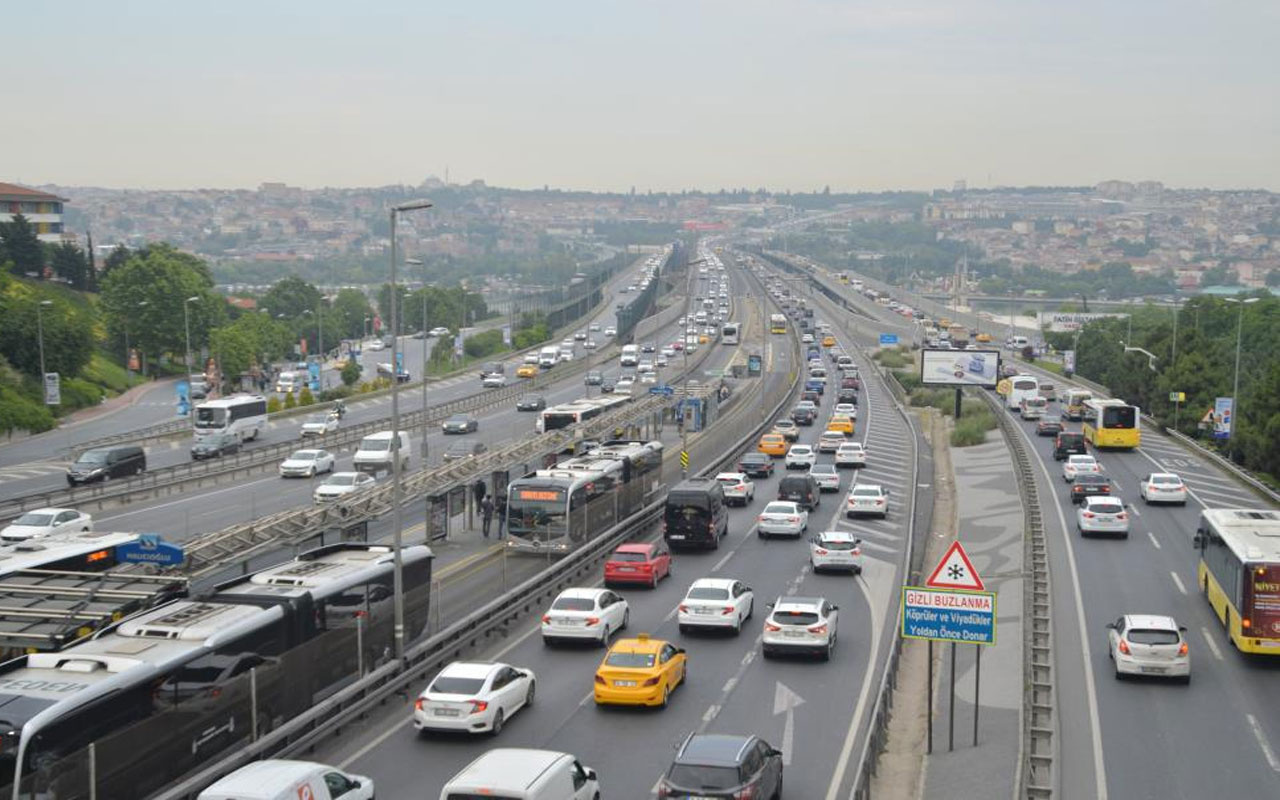 İstanbul'da kısıtlama sonrası son durum! Trafik yoğunluğu yüzde 53 oldu