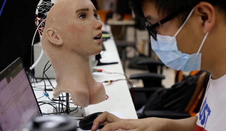 Covid-19 hastaları için geliştirildi! İnsansı robot 'Grace' dikkat çekiyor