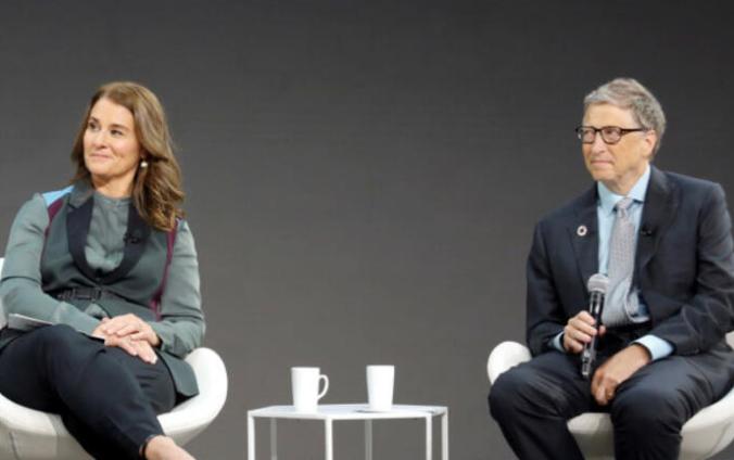 Bill Gates'in 'Aldatma taktiği' deşifre oldu! Altın renkli Porsche otomobil detayı