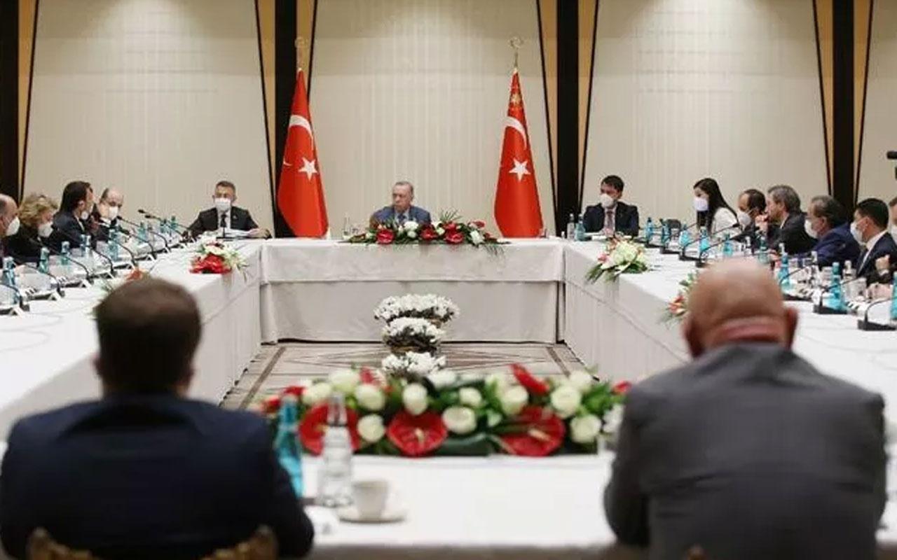 Erdoğan Beştepe'de akademisyenleri dinledi