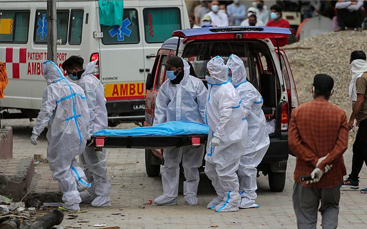 Hindistan'ın durumu çok fena bir günde covid-19'dan ölenlerin sayısı korkunç
