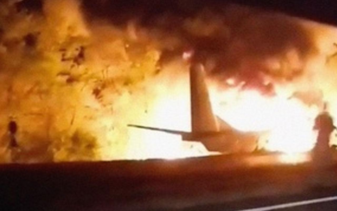 Myanmar'da askeri uçak çelik fabrikasının üzerine düştü: 13 ölü, 16 yaralı