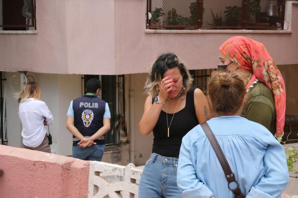 Antalya'da kedileri asılmıştı! Genç kadın üçüncü şoku yaşadı: Kapıya kurşun astılar!