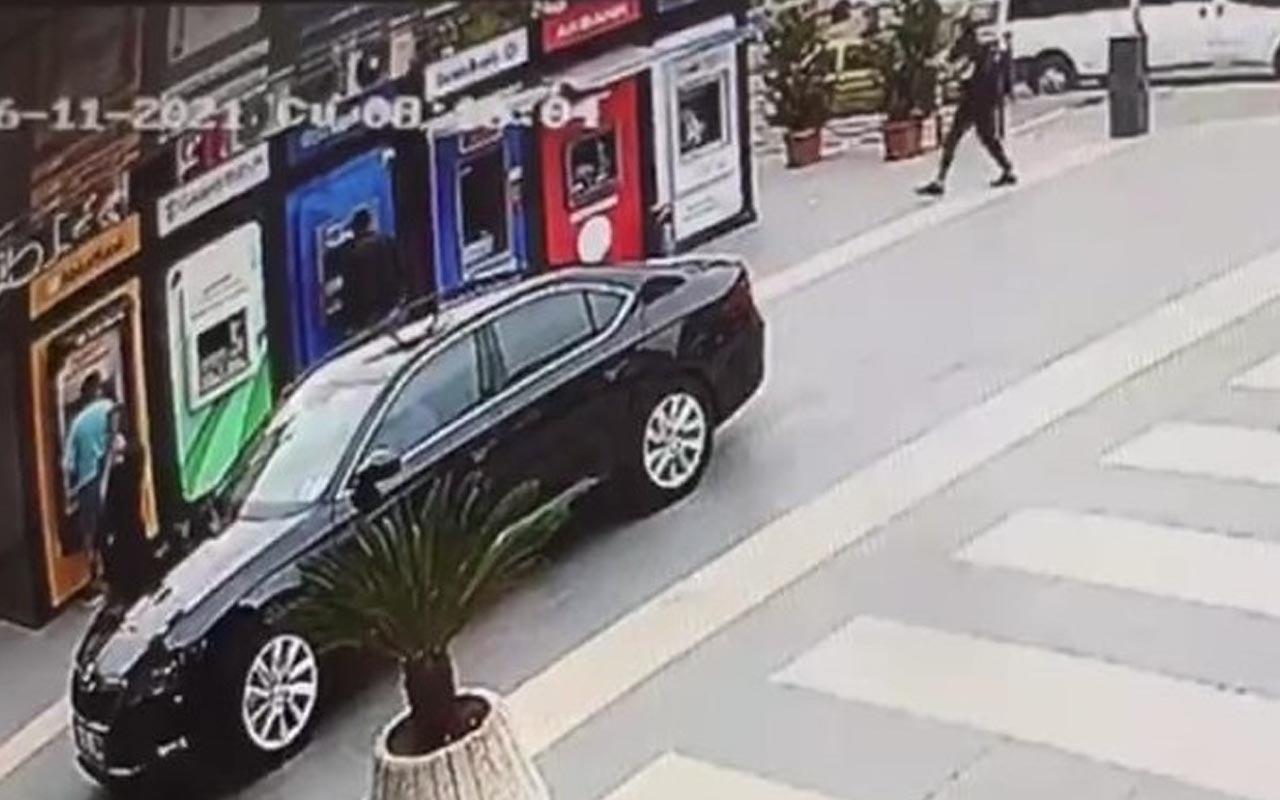 Yomra'da Belediye Başkanı Bıyık'a silahlı saldırı anı