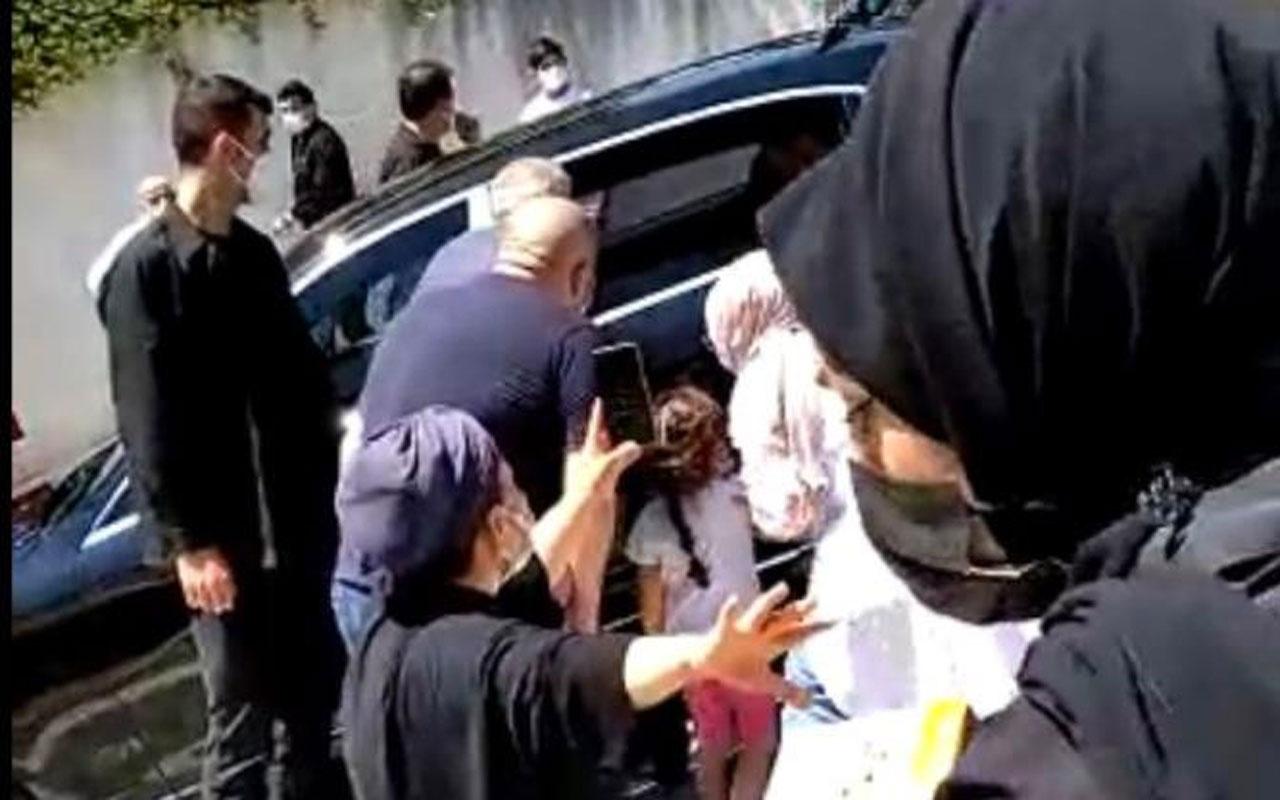 Cumhurbaşkanı Erdoğan 'Tayyip dede' diye seslenen çocuklara oyuncak dağıttı