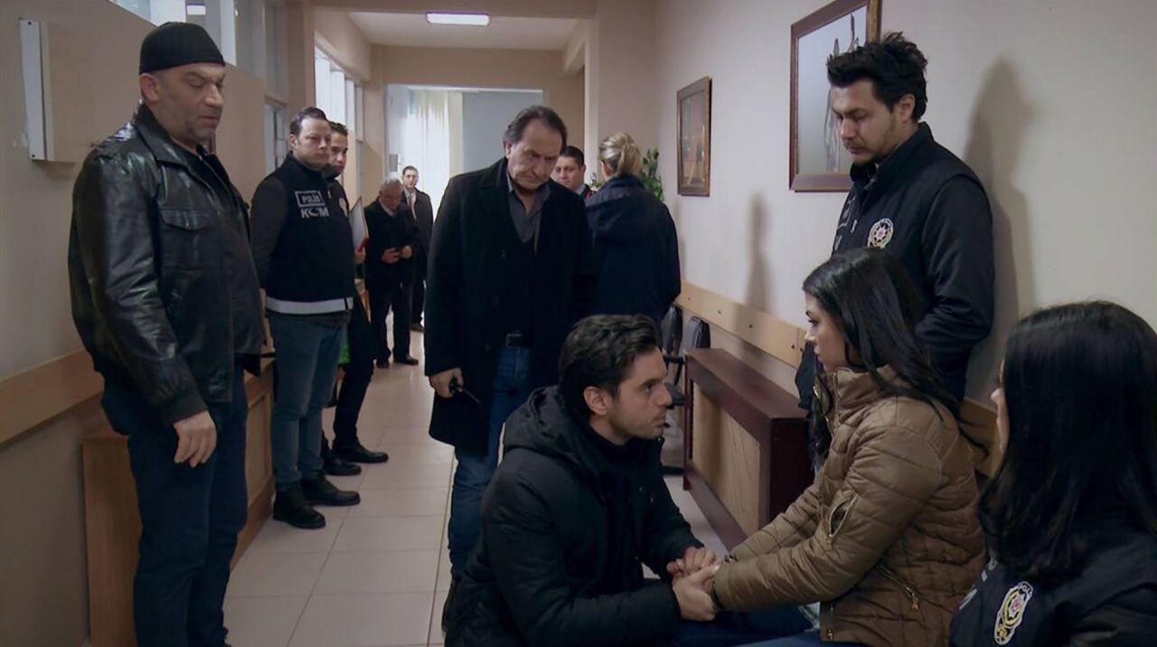 Arka Sokaklar'da Rıza Baba depremi! Zafer Ergin'in yeni dizisi ortaya çıktı
