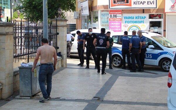 Antalya'da dehşeti yaşatıp kanlar içinde bıraktı! Trans kadın kendini eve kilitledi