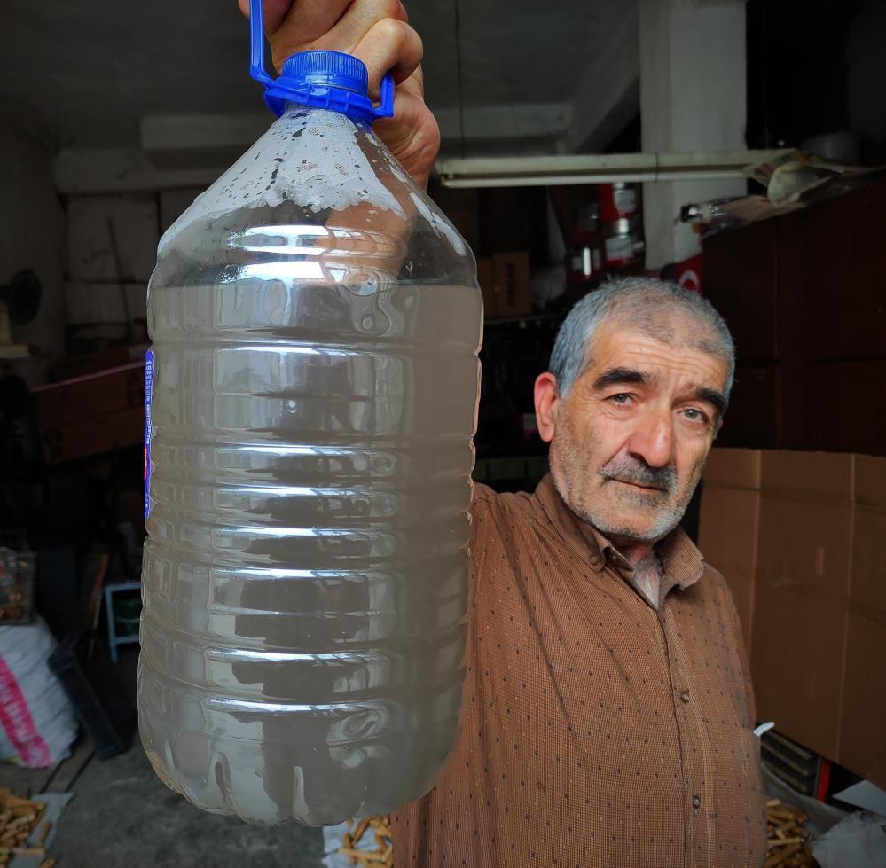 Bursa'da demir suyu içen adama akıl sır ermedi! Koronavirüsten koruyor diyor