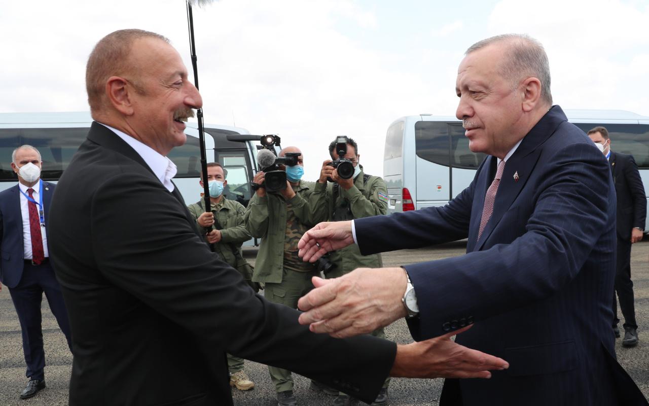 Erdoğan Azerbaycan'da Aliyev ile buluştu