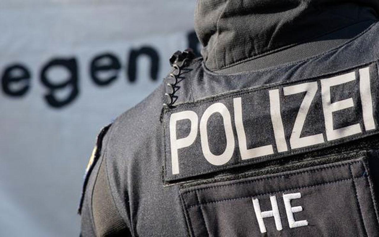 Almanya Hessen eyaletinde 49 polis aşırı sağcı sohbetlere katıldı